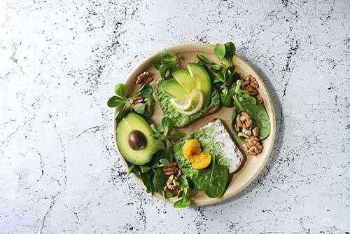 7 alimenti che ti faranno sentire soddisfatto
